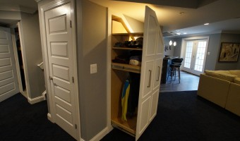 BUILT-INS(2)- BROMBERG